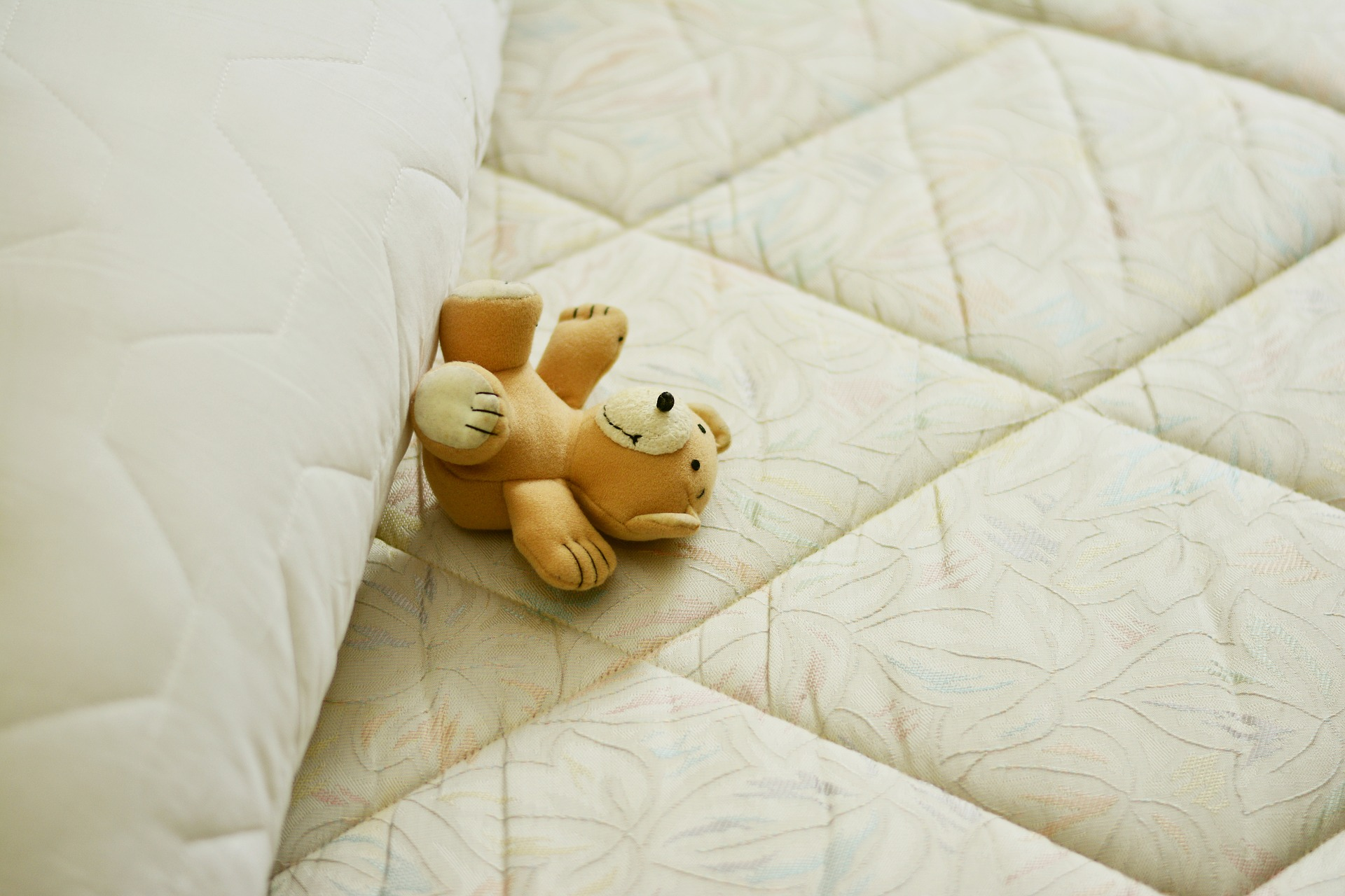 mattress-2489612_1920